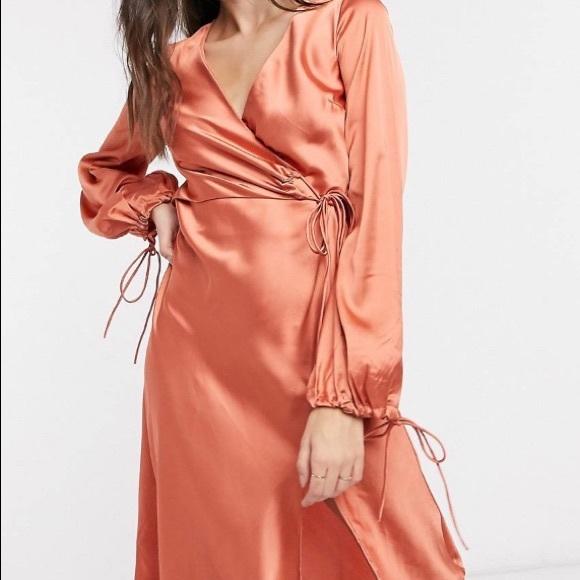 It's a very beautiful dress.